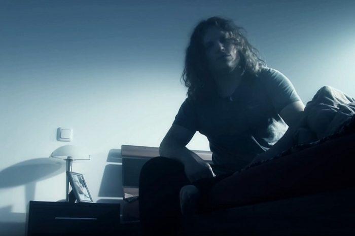 Musikvideo Roxxess Lead Sänger
