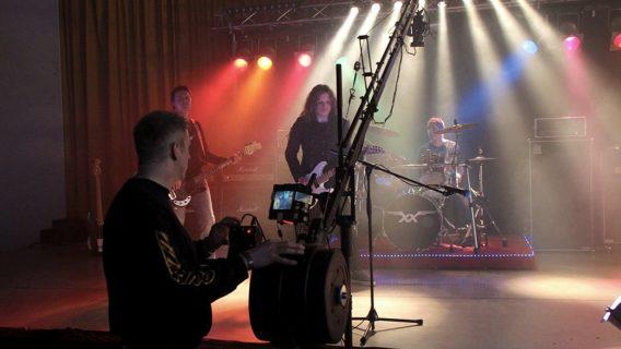 Einsatz des kamerakrans beim Dreh eines Musikvideos für die Band Roxxess
